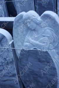 Памятник с ангелом- 14